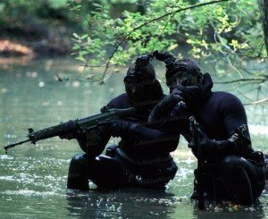 l-arme-appartient-au-soldat-mais-le-soldat-appartient-egalement-a-son-arme-photo-laurent-mami1-300x245 la guerre du 17 Septembre 2012 dans Côte d'Ivoire: la guerre aura bel et bien lieu